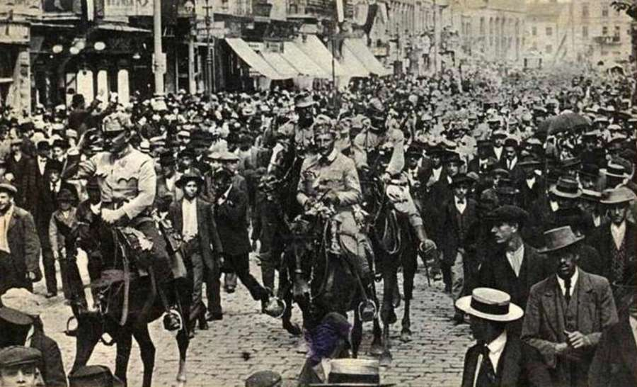 Генерал Е. Бем – Ермолі зі штабом на вул. Львова, 22.06.1915 р.