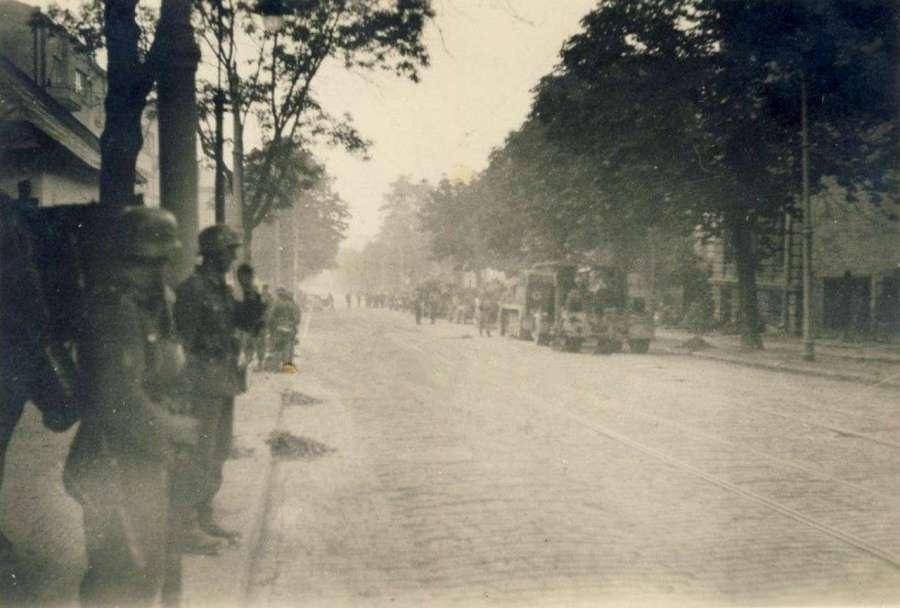 Німецькі частини заходять до Львова, нинішня вул. Шевченка