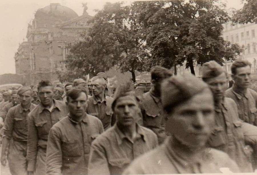 Полонені радянські солдати, нин. пр – т Свободи
