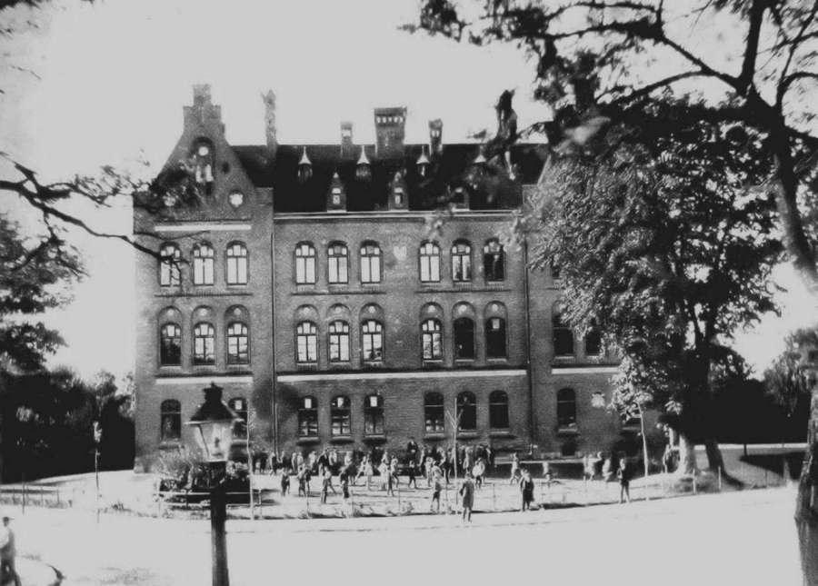 Школа Марії Магдалини, фото до 1910 року