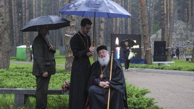 Кортеж з тілом Любомира Гузара виїхав зі Львова доКиєва