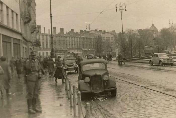 На нин. пл. Міцкевича, 1941 рік