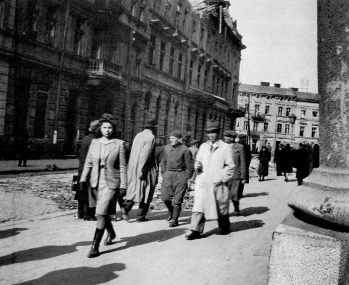На нин. вул. Пекарська, 1941 – 1944 рр.