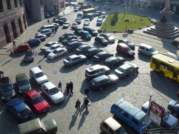 парковки у центральній частині львова