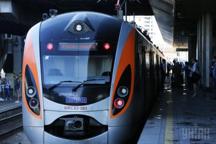 Від кордону з Польщею до Львова прокладуть вузьку залізничну колію за євростандартом
