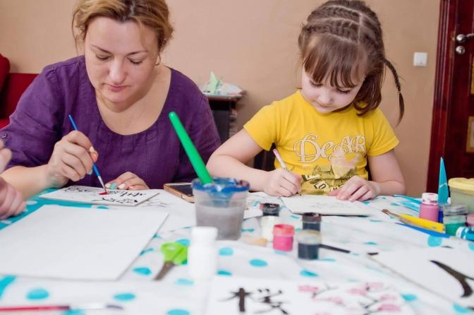 «Моя донька любить понеділок». Львів'янка рік навчала свою дитину вдома