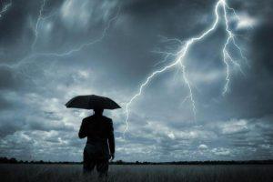 Як вберегтися від удару блискавки: 10 порад від ДСНС