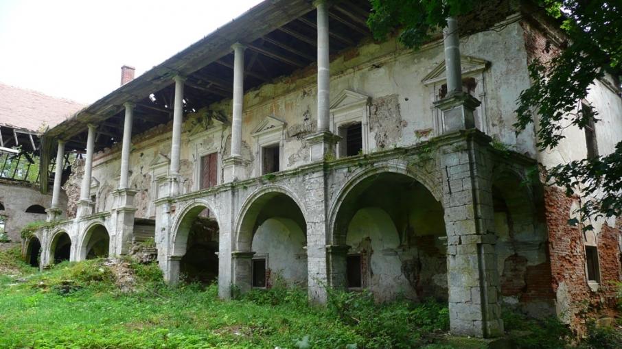 Поморянський замок – неприступна фортеця короля Яна Собєського