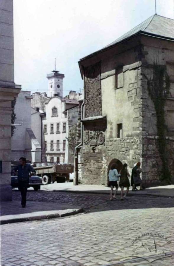 Герби на міському арсеналі у 1960-х, на поч. 1970-х років