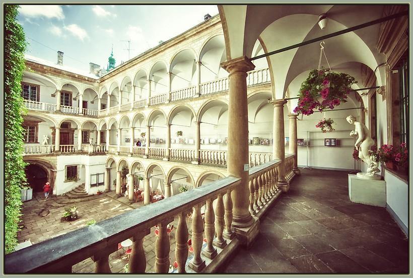італійський дворик