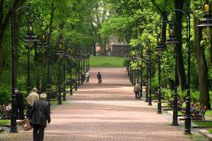 У львівському парку заборонили їздити велосипедистам