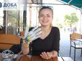 Українка створила рукавичку, яка озвучує мову жестів