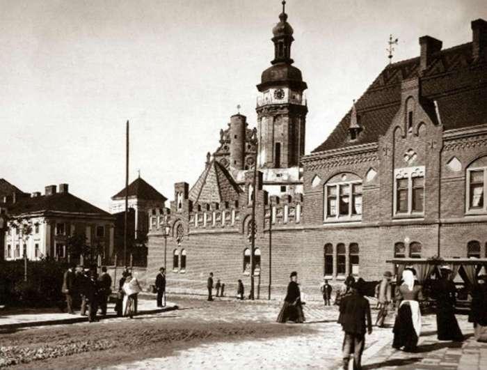 Вид на стару стражницю від вул. Личаківської. Фото кін. XIX ст.