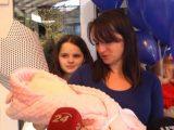 У Львові із пологового будинку виписали 12-річну маму з донечкою