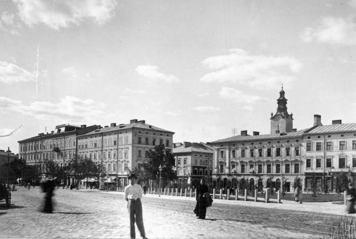 Колія кінного трамваю на пл. Галицькій, фото, кінець XIX ст.