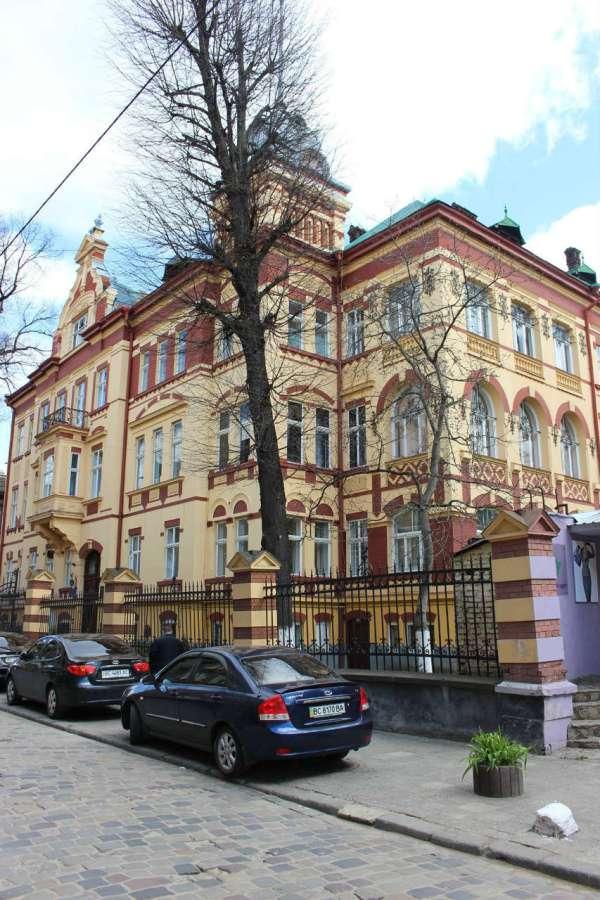 Давня вілла Віксля на нин. вулиці Лукіяновича. Фото 2015 року