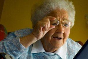 Коли жінкам, що достроково вийшли на пенсію у 55 років, повернуть повну пенсію
