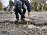 У Львові патрульна поліція почала інспектувати якість доріг вулиць і переїздів
