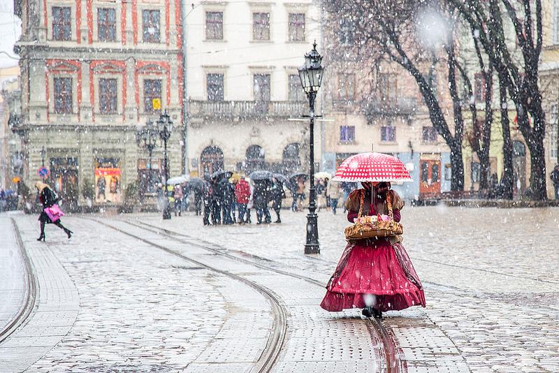 львів сніг площа ринок
