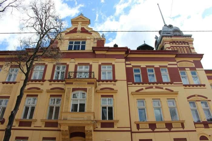 Фрагмент фасаду вілли Віксля. Фото 2015 року