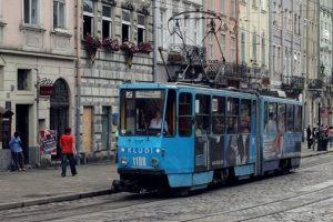 У жовтні через некоректне паркування авто і ДТП львівський електротранспорт простояв 110 годин