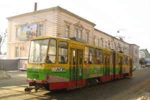 У Львові в трамваї п'яні вандали відірвали сидіння