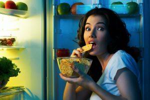 Медики назвали 5 продуктів, які можна і потрібно їсти на ніч.