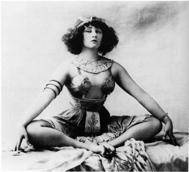 Colette in Rêve d'Egypte, 1907.
