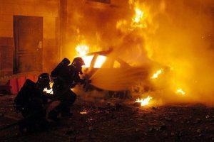 У Львові вночі знову горіли дві машини