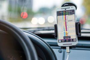 Завантажуй українське: 5 популярних застосунків для автомобілістів