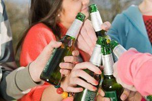 У Дрогобичі школярка отруїлася алкоголем