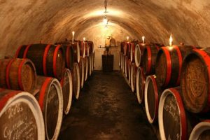 Хто робить авторське та гаражне вино в Україні