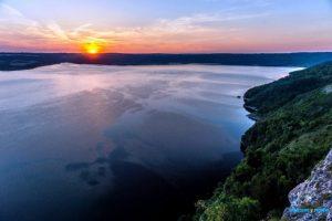 10 мальовничих сіл Західної України, де варто побувати цього року (20 неймовірних фото)