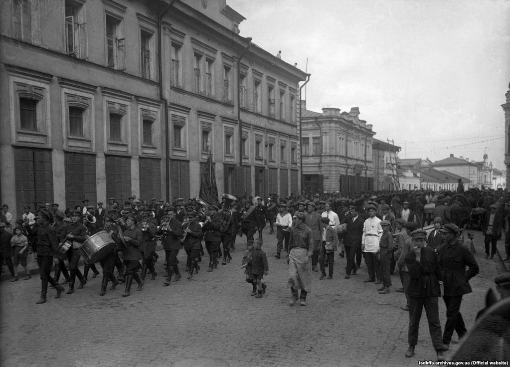 Співробітники міліції Харківської області вирушають на маневри, 1933 рік