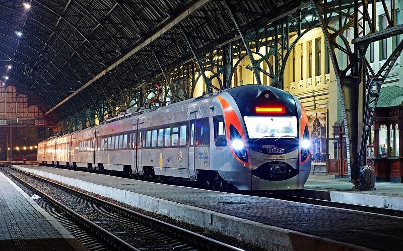 львів вокзал потяг