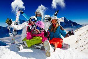 Куди поїхати кататися на лижах в Україні