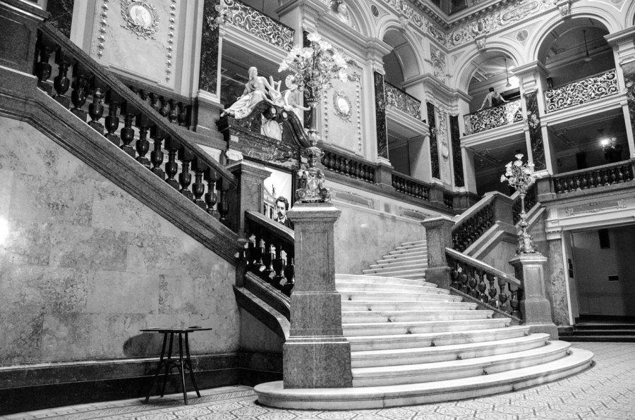 Сходи Львівської Опери