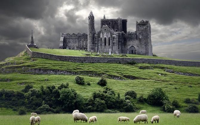 Скеля Кашел, Ірландія.
