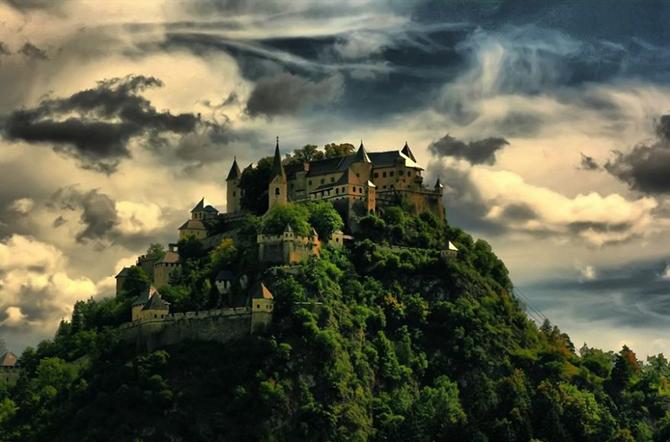 Замок Гохостервітц, Австрія.