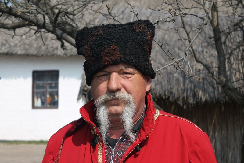 На фото: козак з етно-хутору «Козацька Січ», Петриківка