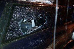 У Львові затримали чоловіків, які трощили чужі автомобілі
