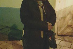 У Львові затримали вуличних крадіїв. Одна з жінок ховалася під автомобілем