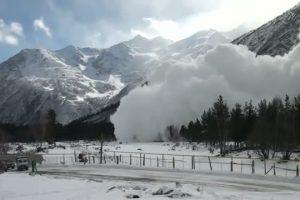 На Львівщині попереджають про лавинну небезпеку у горах