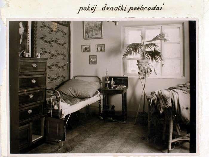 Місце вбивства – ліжко жертви Ельжбети Заремби. Поліційне фото 1932 року