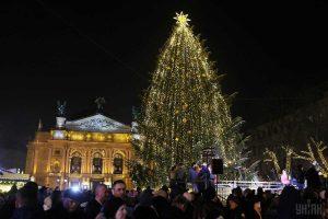 Головну ялинку Львова розберуть 23 січня