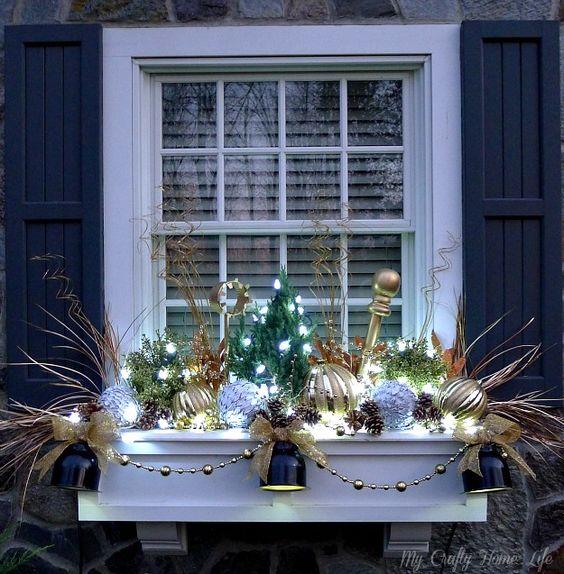 ідеї декорування підвіконь до Зимових свят