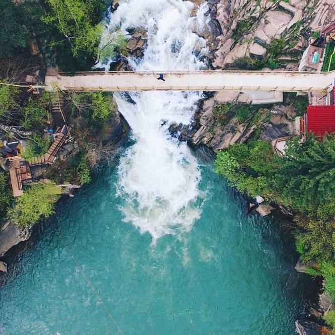 На фото: водоспад Пробій