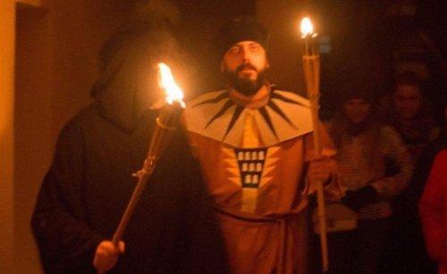 Фото з нічної костюмованої екскурсії ратушею Дрогобича