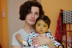 Львів'ян просять допомогти врятувати життя маленької Катрусі