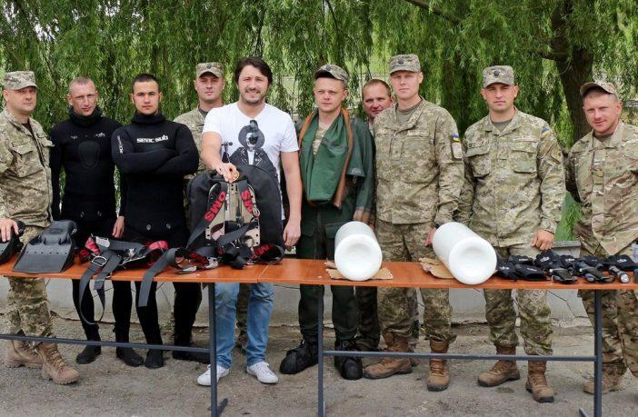 П'ять українських зірок-волонтерів, які допомагають армії